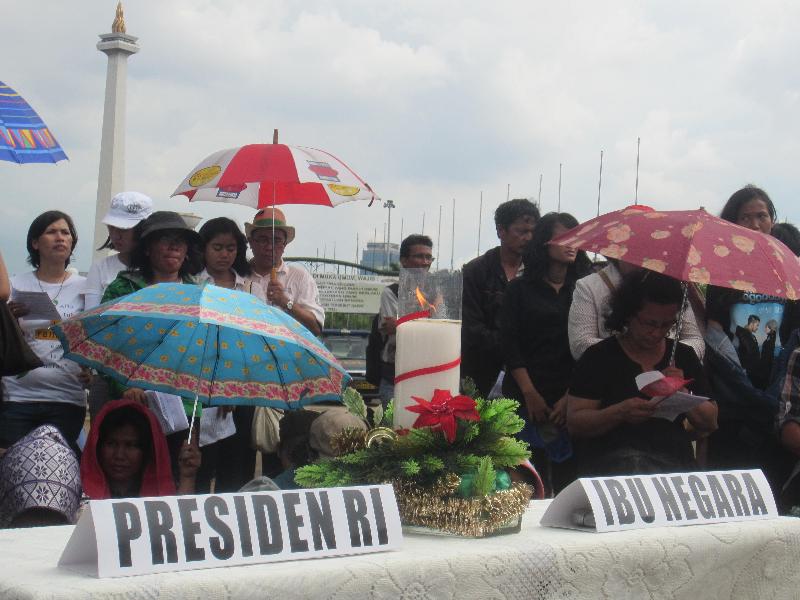 5-misa-bersama-di-depan-istana-presiden