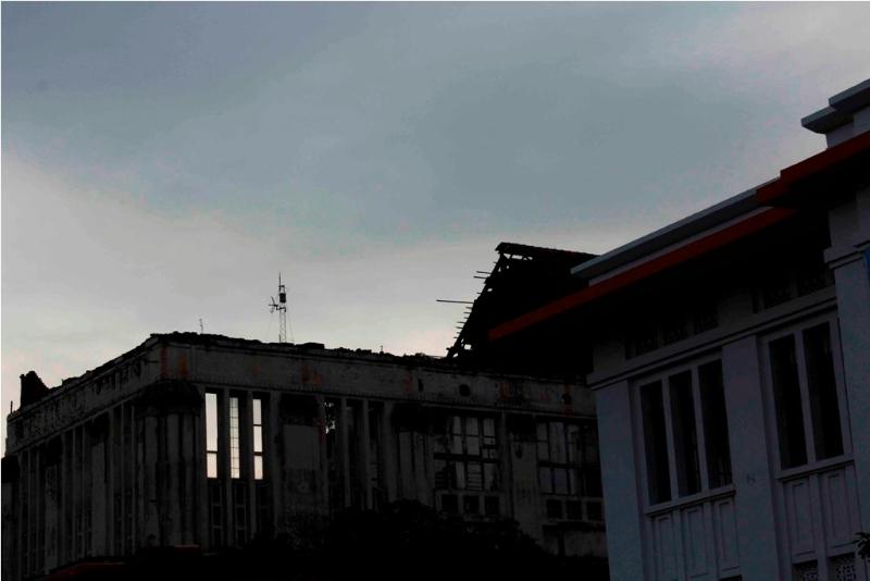 bangunan-kontras-foto-bayu-sustiwi
