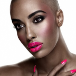 <!--:id-->Dua Perempuan Biseksual  Warnai American Next Top Model putaran ke 18<!--:-->