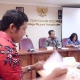 <!--:id-->Ada yang &#8220;tidak beres&#8221; dengan kritikan Juri Indonesian Idol 2012<!--:-->