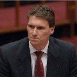 <!--:id-->Kaitkan Perkawinan Gay &#038; Persetubuhan Hewan, Senator Australia Dikecam<!--:-->