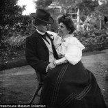 <!--:id-->Foto Kontroversial Pasangan Lesbian Sejak Tahun 1900an<!--:-->