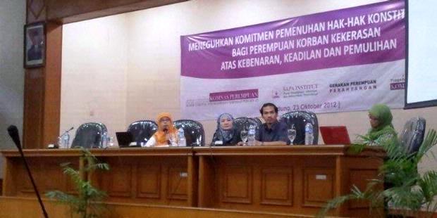 Suasana seminar yang membahas perda diskriminatif digelar di Bandung, Jawa Barat, Selasa (23/10/2012). photo : kompas.com