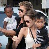 Mei, Brad Pitt-Angelina Jolie Harus Menikah