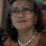Nursyahbani Katjasungkana: Membaca Surat Kartini Harus Membasuh Tangan