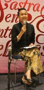 Dewi Candraningrum (Foto: Yatna Pelangi/Ourvoice)