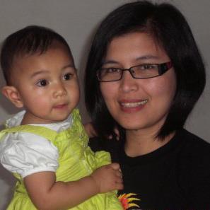Melinda Siahaan bersama putrinya (Foto: FB Melinda)