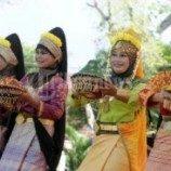 Menari atau duduk mengangkang bisa menjadi masalah serius di Aceh