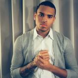 Chris Brown Dukung Gay Lewat Lagu