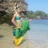 Dicap Transgender, Agus kenalkan Indonesia hingga mancanegara