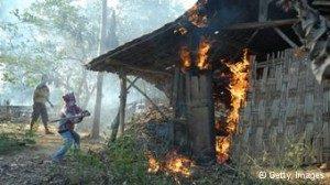 Rumah pengikut Syiah di Sampang Madura dibakar massa yang menganggap aliran ini sesat