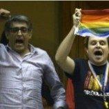 Uruguay sahkan pernikahan gay