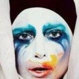 [Video] Lady Gaga Pilih Bar Gay Untuk Video Lirik 'Applause'