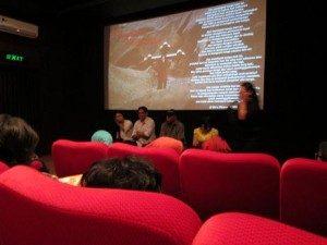 """Suasana Diskusi Film """"Lingkaran Kekerasan"""" (Foto: Gusti/Suara Kita)"""