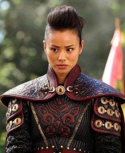 Jamie Chung berperan sebagai Mulan