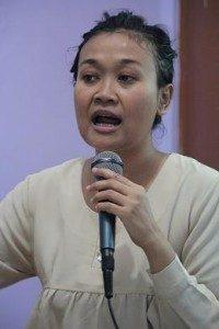 Dewi Candraningrum, Narasumber Kuliah Umum  (Foto: Yatna/Suara KIta