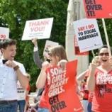 29 Maret  2014, Pasangan Gay dan Lesbian Bisa Menikah Secara Resmi Di Inggris