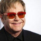 Elton John Cemooh UU Homoseksual Rusia di Moskow