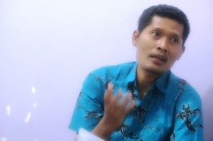Narasumber Kuliah Umum Our Voice. Muhamad Nurkhoiron.(Foto : Our Voice/Yatna Pelangi)