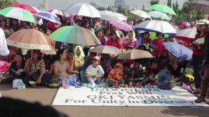 250 Jemaat melakukan Natal dan jamuan Kudus di seberang Istana Presiden (Foto : Rikky/ Suarakita)
