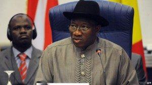 Presiden Nigeria Goodluck Jonathan mengesahkan undang-undang yang melarang perkawinan sejenis 7 Januari lalu (foto: dok).