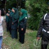 Perempuan Aceh yang Tertangkap Berpakaian Ketat Disemprot Cat