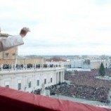 Adopsi oleh Pasangan Gay Bikin Paus 'Terguncang'
