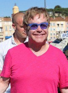 Elton John ©fameflynet