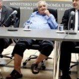Pakai Sandal, Presiden `Termiskin di Dunia` Lantik Menteri