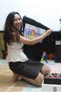 Tanti saat di mengisi Kuliah Umum Seksualitas Our Voice 8 januari 2013 (Foto : Yatna/ Suarakita)