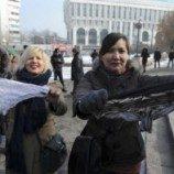 Protes Larangan Celana Dalam Berenda, 30 Perempuan Kazakhstan Ditangkap