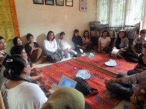 """Tema diskusi : """"Heteronormatifitas dan Kekerasan berbasis SOGIE. Foto : Dok/ASB)"""