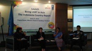 Peluncuran laporan tentang kondisi Lesbian, Gay, Biseksual dan Transgender (LGBT) di Indonesia. 17/06/2014. Foto :dok/suarakita/yatnapelangi