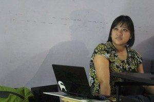 Ully Damari Putri, Narasumber Diskusi (Foto: Yatna/Suara Kita)