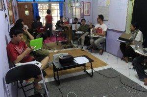 Suasana workshop sosial media untuk lgbt.foto,dok.SuaraKita/YatnaPelangi.