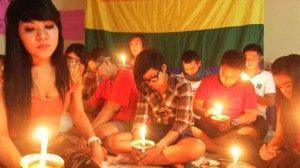 Peserta malam transgender mengumpulkan harapan dan doa (Foto : Suarakita/ Rikky)