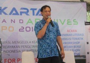 "Suharyanto, Pustakawan dan penulis buku "" Glosarium Istilah Perpustakaan"". Foto, SuaraKita/Yatna Pelangi"