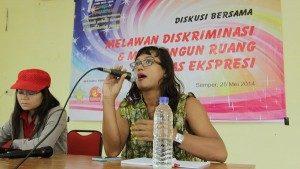 Diskusi publik dalam rangka memperingati IDAHOT 2014, kerjasama Suara Kita dan Pelangi Mahardhika. Foto, Dok/SuaraKita