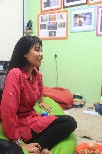 Saras Dewi, Narasumber Kuliah Umum. (Foto : Yatna/Suara Kita)