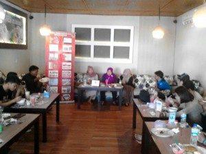 Suasana Diskusi Kesehatan Komunitas Gay dan waria Gorontalo (Foto : Adit/BPG)