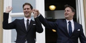 Perdana Menteri Luxembourg, Xavier Bettel bersama pasanganya Gauthier Destenay