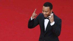 John Legend tidak menginjakkan kaki ke Beverly Hills Hotel karena ia tidak setuju dengan keputusan hukum Sultan Brunei, sang pemilik hotel. (REUTERS/Benoit Tessier)