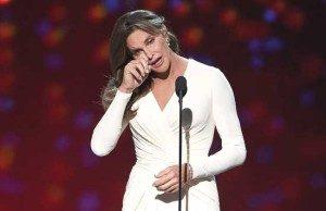 Bicara Transgender, Caitlyn Jenner Menangis di Panggung ESPY Awards.(AP Photo)
