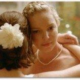 Pernikahan Antara dua Perempuan Tergambar di Trailer Jenny's Wedding