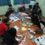 Komunitas Waria Sulawesi Selatan Ikut Pelatihan Menulis