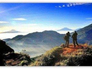 Awesome-view-seen-from-sikunir-hill-dieng-plateau-800x600 (1)