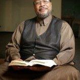 Daayiee Abdullah Imam Masjid Pertama di Amerika Yang Terbuka Sebagai Gay