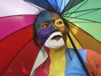Indonesia Harus Menghentikan Kriminalisasi LGBT