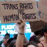 Aktivis, Anggota Parlemen, dan Personil Militer Menolak Memo Larangan Transgender Untuk Mengabdi di Militer Amerika Serikat