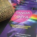 """[Liputan]  Bincang Buku """"Tanda & Tanya"""" di Komunitas GAYa NUSANTARA  Surabaya"""